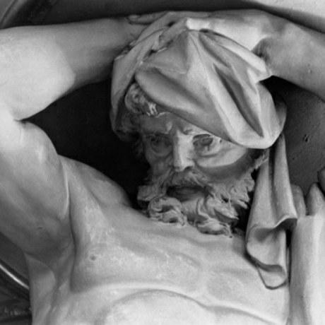 Online 568 immagini di opere di scultura della FOTOTECA TUMIDEI. La catalogazione della fototeca dello studioso Stefano Tumidei proseguirà integrando il Catalogo online della Fondazione Zeri.